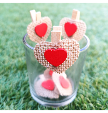 Hessian heart pegs red