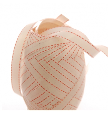 Printed ribbon with pink dotted lines