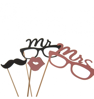 Wooden Mr and Mrs prop set