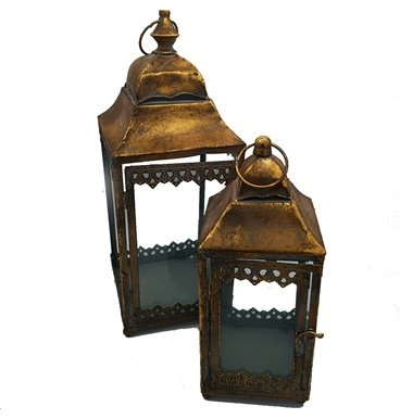 Lanterns with bronze coloured tops with hinge doors