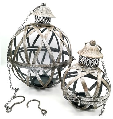 Gardec hollow plant ball with metal chain